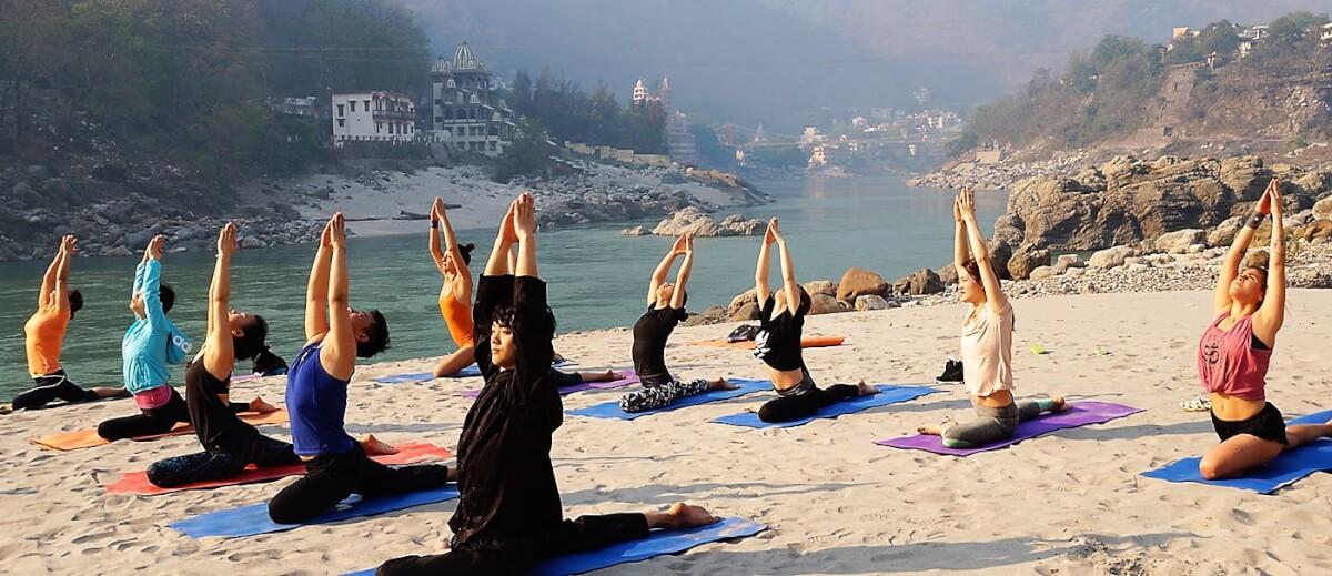 yoga ttc in rishikesh 1 - Cinco documentários provocantes sobre fé e espiritualidade para assistir na Netflix