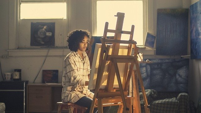 artist 2578454 640 - A arteterapia ajuda cuidar da saúde das nossas emoções