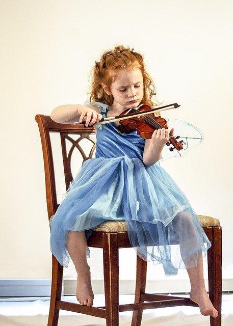 violin 1617972 640 - Um instrumento musical pode fazer muito mais pela inteligência das crianças do que um celular