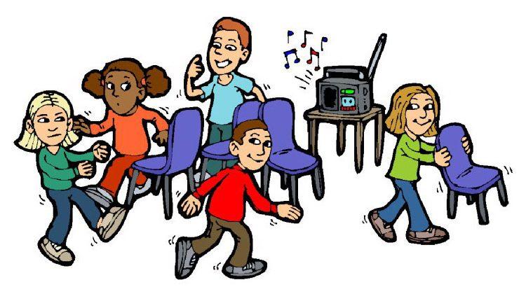 danca das cadeiras - Uma lista com 11 brincadeiras antigas para se divertir em família