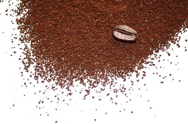 coffee 20139 640 - Descubra porque não devemos jogar fora o pó de café usado