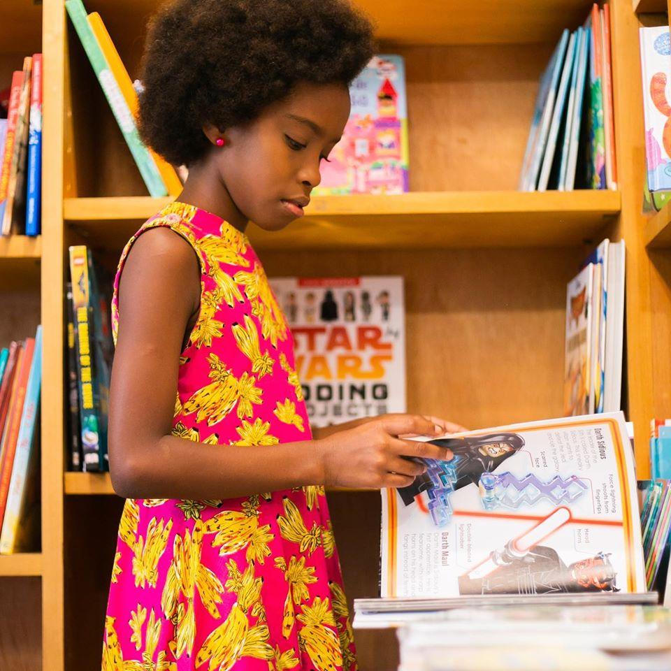gemeas2 - Elas são crianças, negras e agitam a internet falando sobre livros